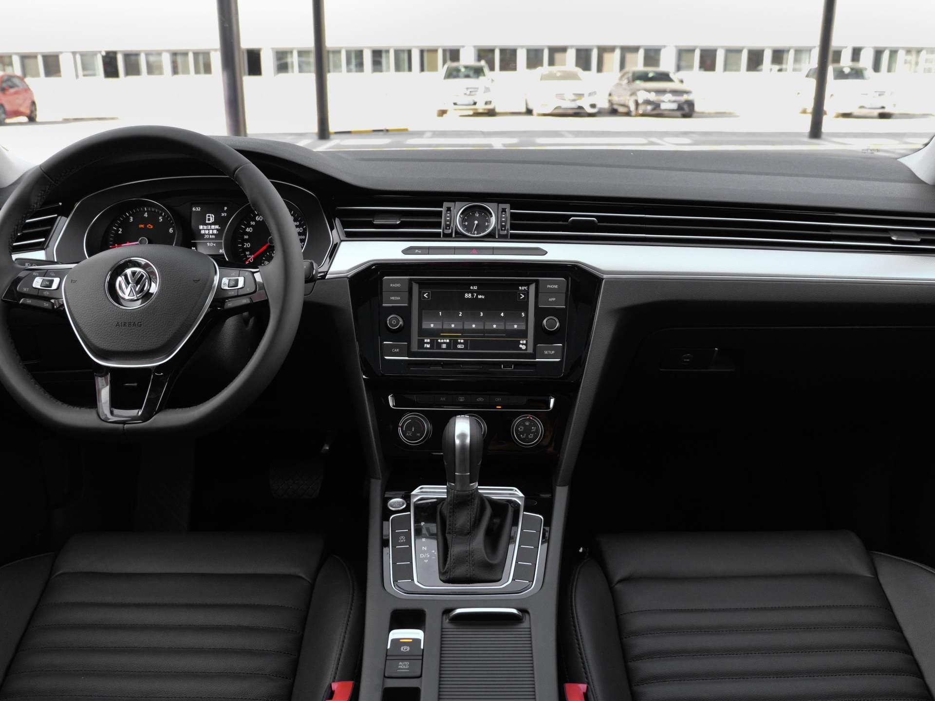 隻要價格到位,這車能超越雅閣,2.0T+2.87米軸距,8月銷量1.8萬輛-圖6