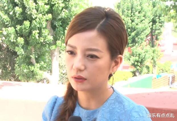記者問趙薇: 《演員請就位》後會不會找黃奕拍戲? 趙薇的回應顯情商-圖3