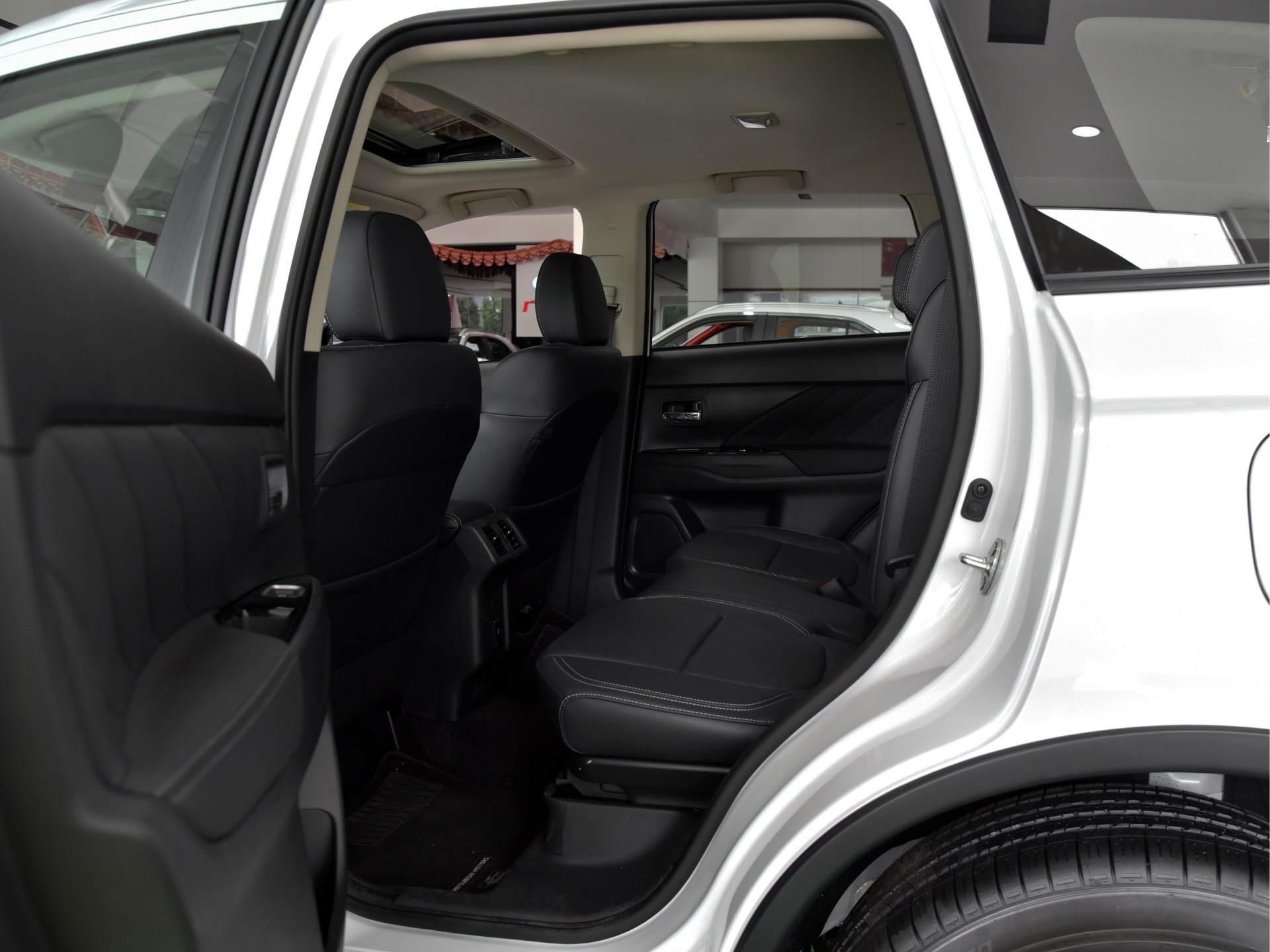 15萬買合資SUV的新選擇,這車比哈弗H6更穩定,比CRV便宜,空間也不小-圖5