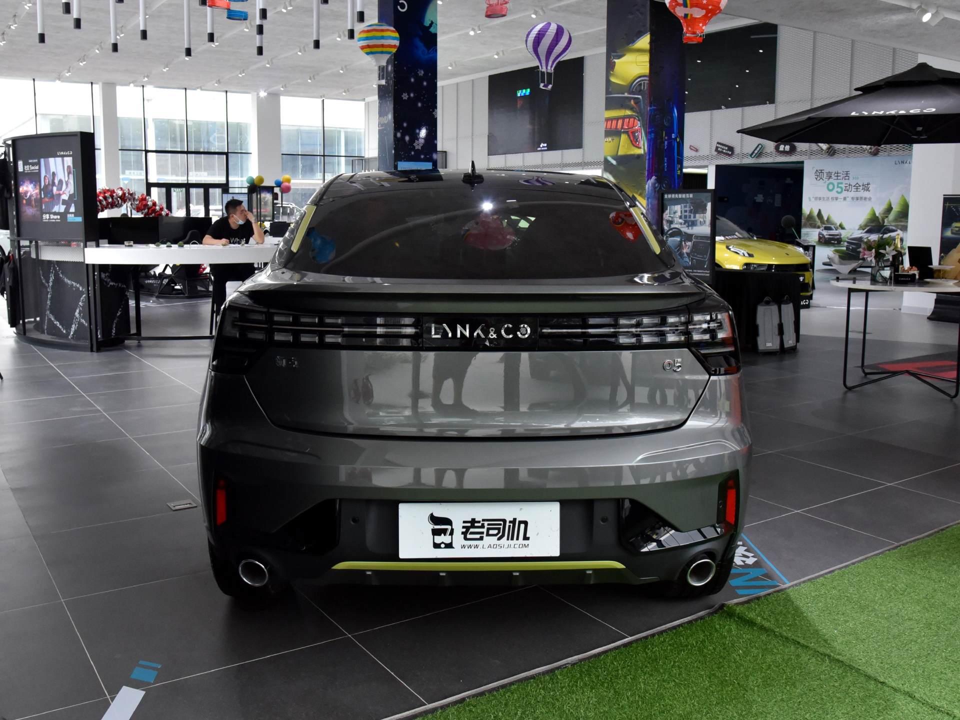 這臺中國車成功瞭,2.0T動力不輸CRV,空間不輸途嶽,油耗也不高-圖4