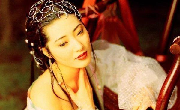"""被譽為""""最美潘金蓮""""、亞洲第一身材的她,如今卻在東莞開拉面館-圖2"""