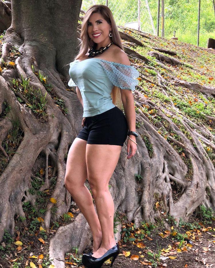 危地馬拉美女辛西婭·阿拉娜,一位有著健美身姿的歌手-圖3