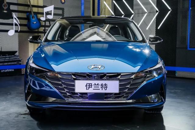 重點推薦1.5L入門版和1.4T旗艦車型,全新伊蘭特購車導讀-圖7