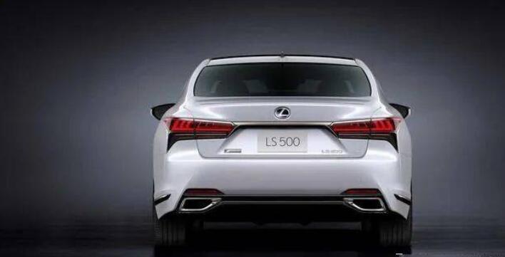 雷克薩斯新一代LS曝光,寬體轎跑比7系更魁梧,新增2.0T+全時四驅-圖2