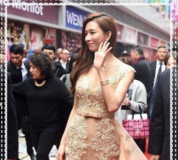 林志玲的裸色裙裝太吸睛,網狀印花很時尚,顯得身材更高級-圖9
