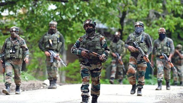 工資克扣遭欺壓,印度士兵再打黑槍,4槍擊殺初級指揮官-圖2