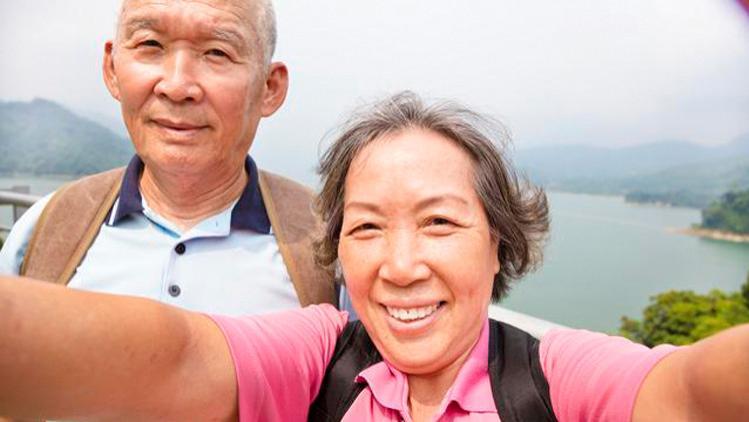 """退休后""""不合群""""才是最好的活法?3位60岁退休女人的话,很真实"""
