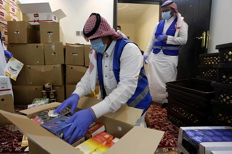疫情重災區之一的中東,形勢依舊十分嚴峻,多國未解封-圖2