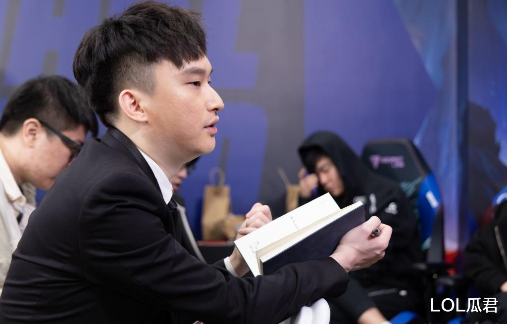 "huangjinkuanggong_""我的BP没问题"",白色月牙否认自己问题,更发朋友圈嘲讽观众-第1张图片-游戏摸鱼怪"