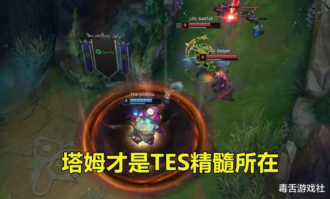 TES小組賽首輪全勝,JKL和369發揮神勇,左手卻成最大混子?-圖4
