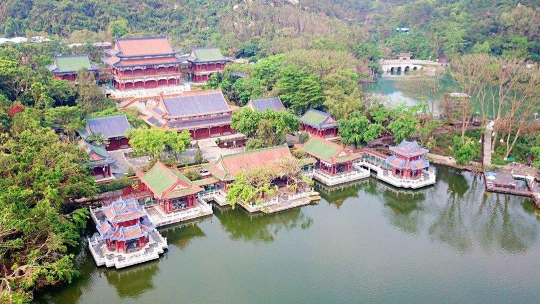 广东一处人造景区,融古典皇家建筑群、江南古典园林和西洋建筑一体
