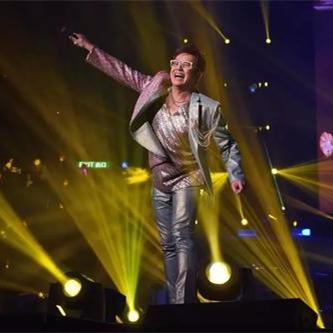 """粤语流行乐坛的""""校长"""",重量级的实力派偶像歌手,有着不老的传说"""