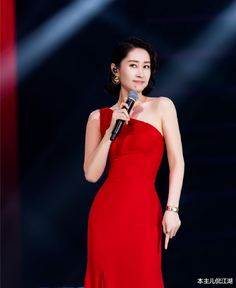 """劉敏濤的中年叛逆,扯下瞭多少中年女演員的""""遮羞佈""""?-圖3"""