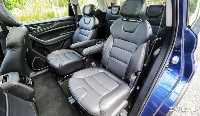 8.59萬起!長安新款SUV上市,5/6/7座隨便選,比漢蘭達還舒服-圖6