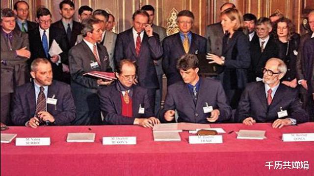 非正義的科索沃戰爭,西方勢力再次點燃火藥桶,無辜百姓遭殃-圖10
