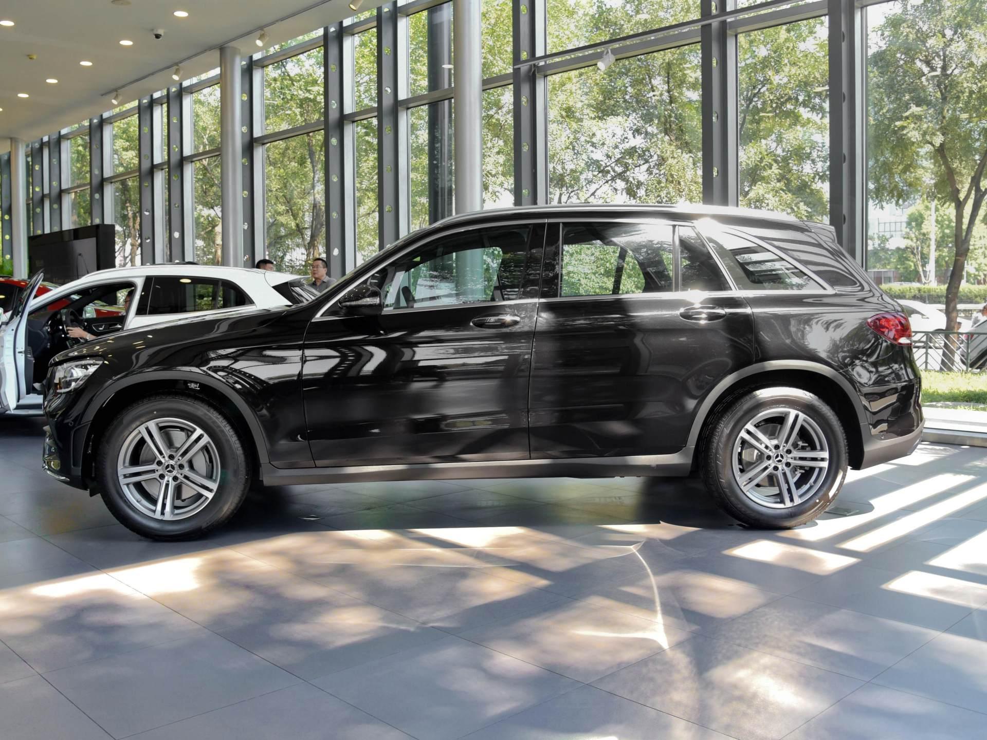 實在的豪華SUV,高近1.9米,2.0T+四驅,奔馳品牌是亮點-圖3