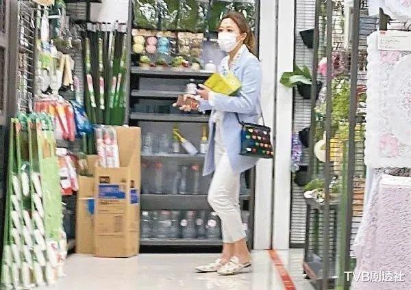 恭喜!32歲TVB港姐花旦被閨蜜曝結婚,曬鉆戒大方承認嫁金融才俊-圖9