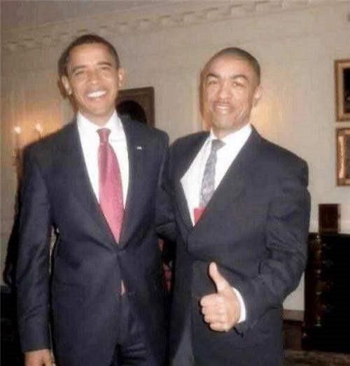 他是奧巴馬親弟弟,放棄高薪來中國發展,還娶河南美女,現今怎樣-圖4