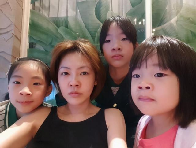 """有種""""不公平遺傳""""叫佟麗婭,上帝吻瞭妹妹的臉,卻忘瞭給姐姐開窗-圖6"""