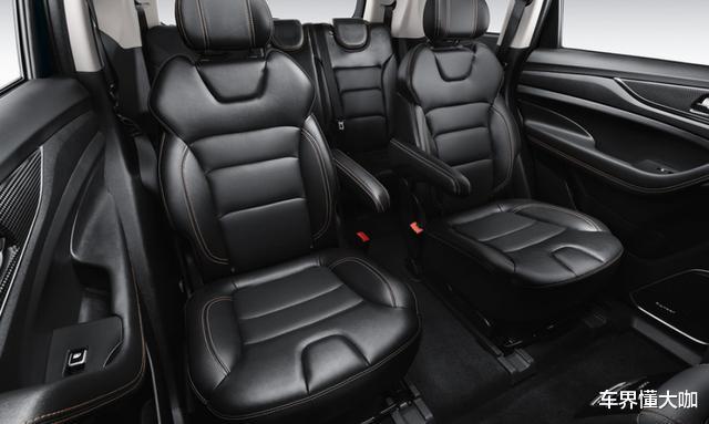8.59萬起!長安新款SUV上市,5/6/7座隨便選,比漢蘭達還舒服-圖5