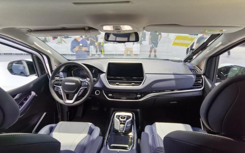 上汽大通推出全新旅居車RG20,一款兼具MPV與房車功能的全能王-圖8