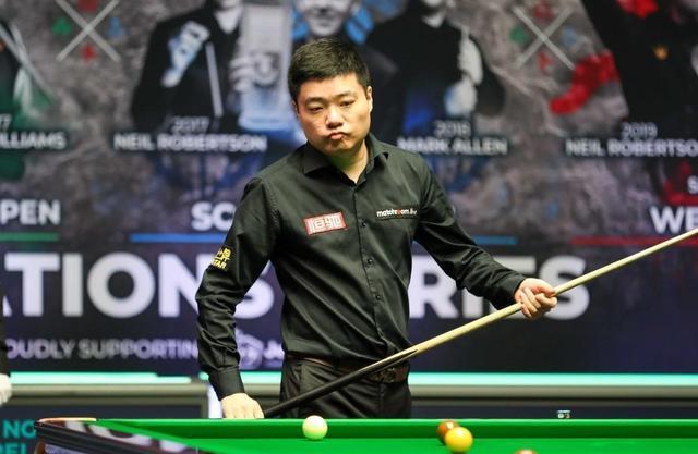 4-3!中国97年新星拒逆转,爆冷淘汰45岁世界冠军,丁俊晖无缘8强