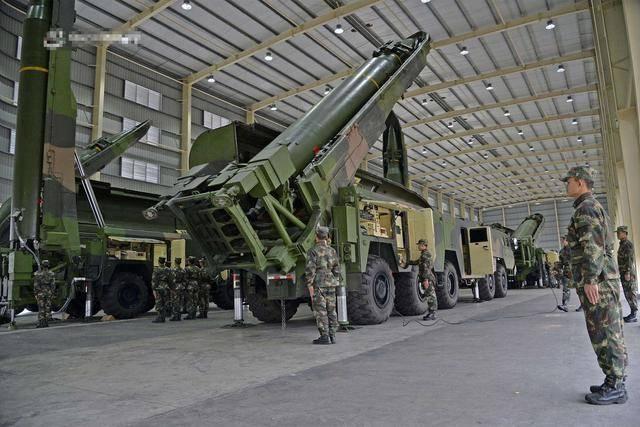 安倍不愧老謀深算,臨走前給中國挖坑,美國中程導彈做日本保護傘-圖4
