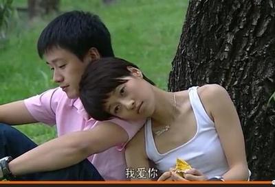 """有一種""""高級""""叫佟大為大女兒,撞臉青澀時期的王祖賢,網友:一代女神重現-圖3"""