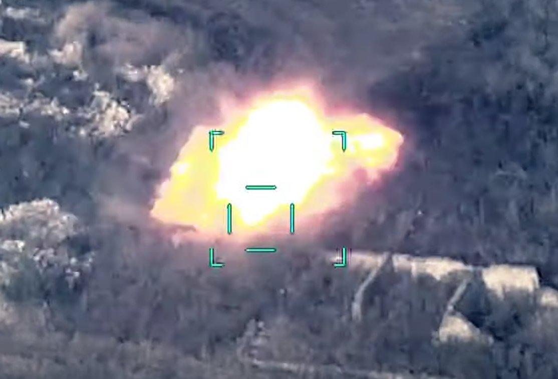 俄戰鬥機突然開火,轟炸阿塞拜疆軍事基地,百名土耳其雇傭軍傷亡-圖2