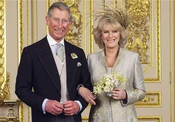 查爾斯兩次婚禮的表情對比:戴安娜是任務,卡米拉是真愛-圖8