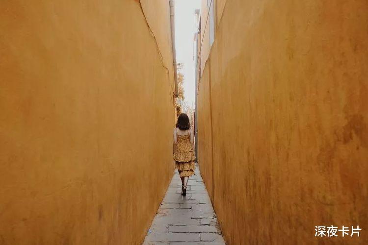喜歡一個人是藏不住的,難掩蓋眼裡的溫柔,和平凡生活的柴米油鹽-圖5