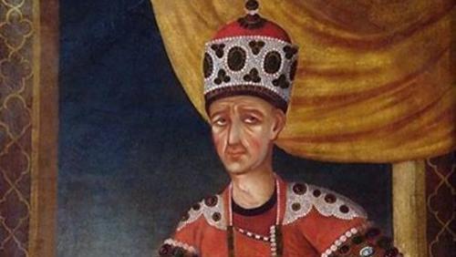 卫兵被国王判处死刑,临死前提了一个要求,国王答应后当晚就死了