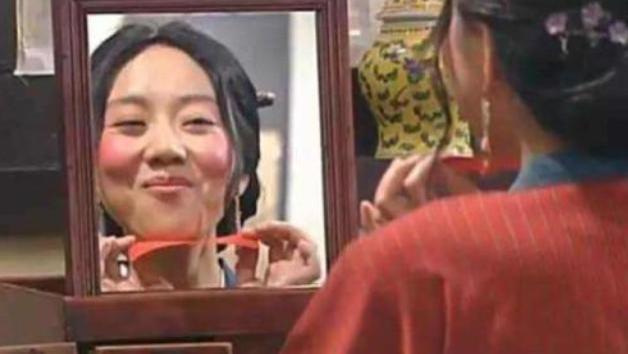 闫妮击败孙俪夺白玉兰奖, 曾因身材只能演中年妇女, 今49岁完美逆袭