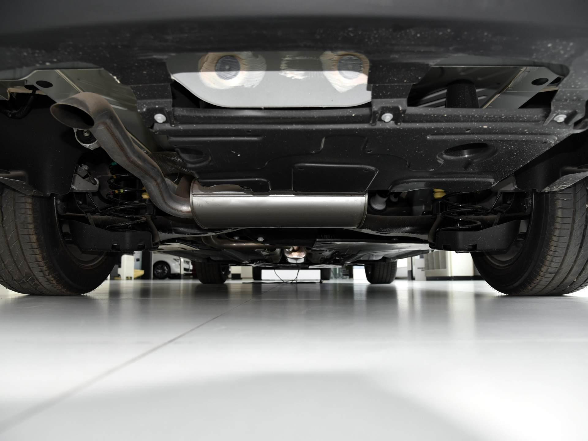 """合資""""最漂亮""""緊湊傢轎亮相,軸距2.67米質感超越速騰,為何賣不過朗逸-圖8"""