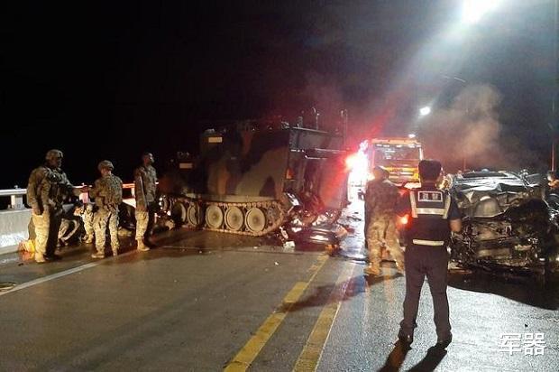 汽車撞上瞭M577裝甲,造成4名平民喪生,美軍在韓國暫停訓練-圖3