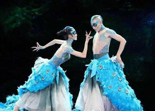 楊麗萍的舞臺劇用2噸麥子做舞蹈道具,是藝術還是浪費?-圖3