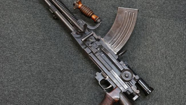 细看:日本九六式轻机枪 罕见的原编号品相 瞄准镜依旧可以使用