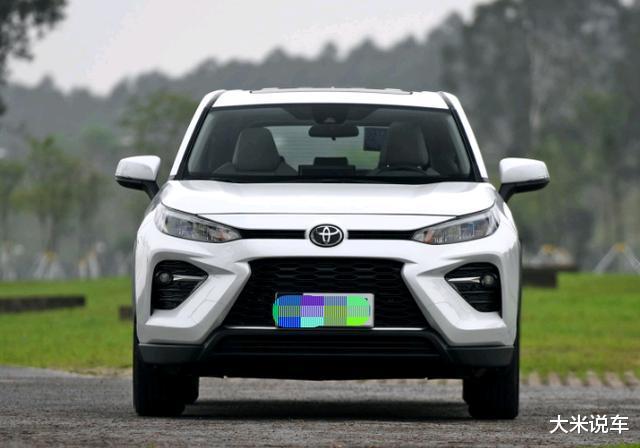 豐田新款平民SUV,四驅還有218馬力,滿油可以跑1200KM-圖2