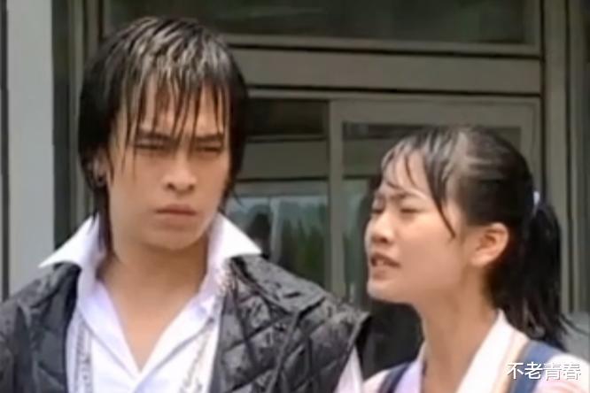 """16年前的神劇,男主打架全靠尬舞,反派是""""尬舞小王子""""王耀慶-圖2"""