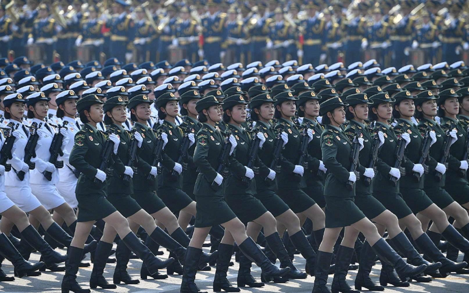 美國有30萬的女兵,俄羅斯也有12萬,解放軍中有多少女兵呢?-圖3
