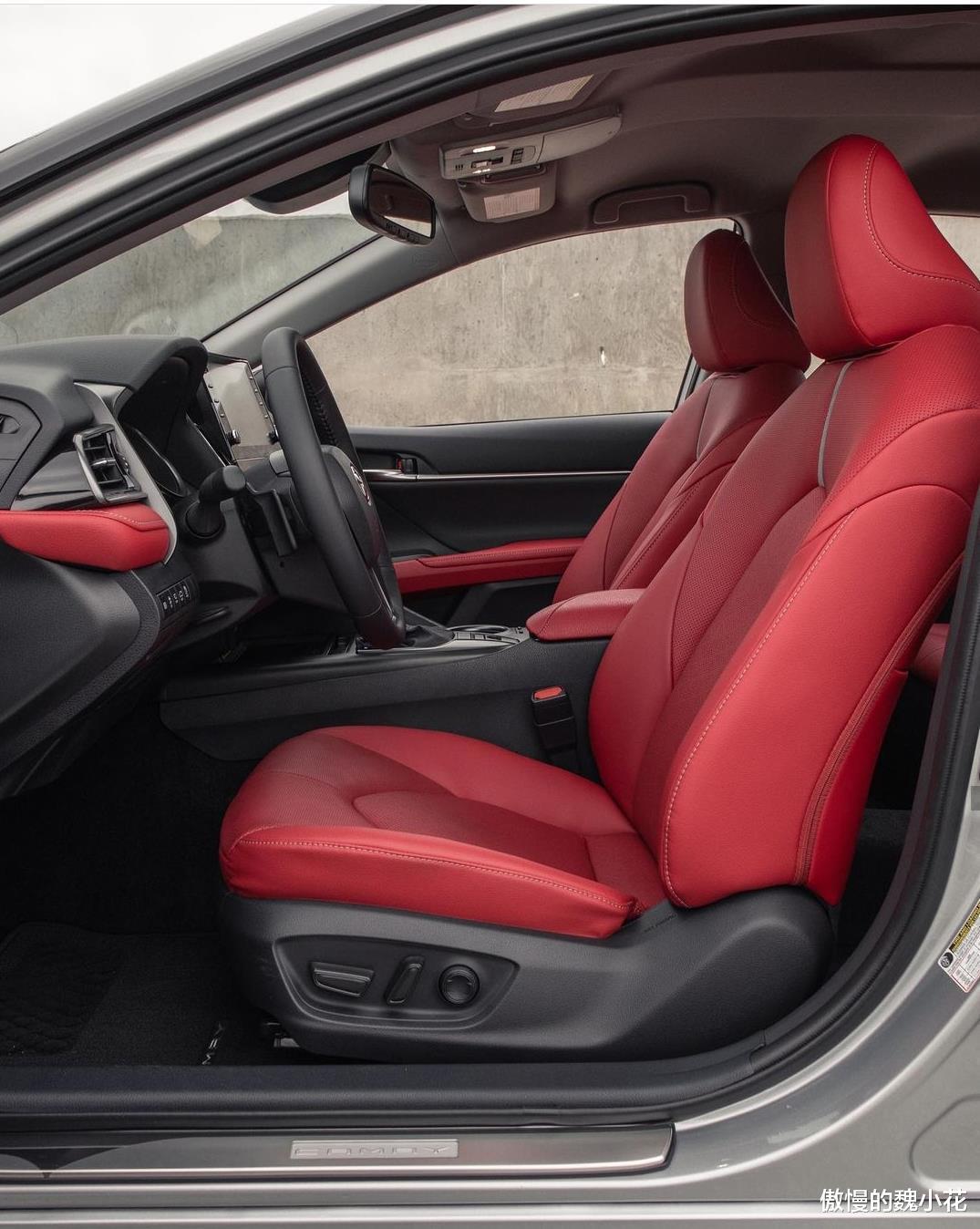 """豐田""""凱美瑞XSE""""版全球首發,紅黑內飾,搭載3.5L V6引擎!-圖5"""