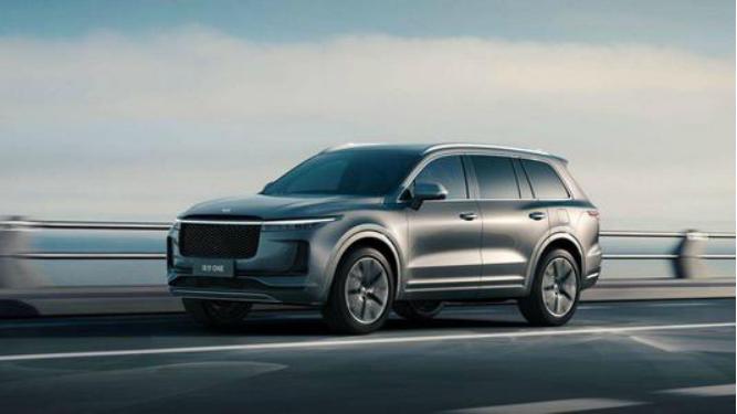 國產產品質量為SUV,空間寬敞動力,最大功率達到326馬力-圖2