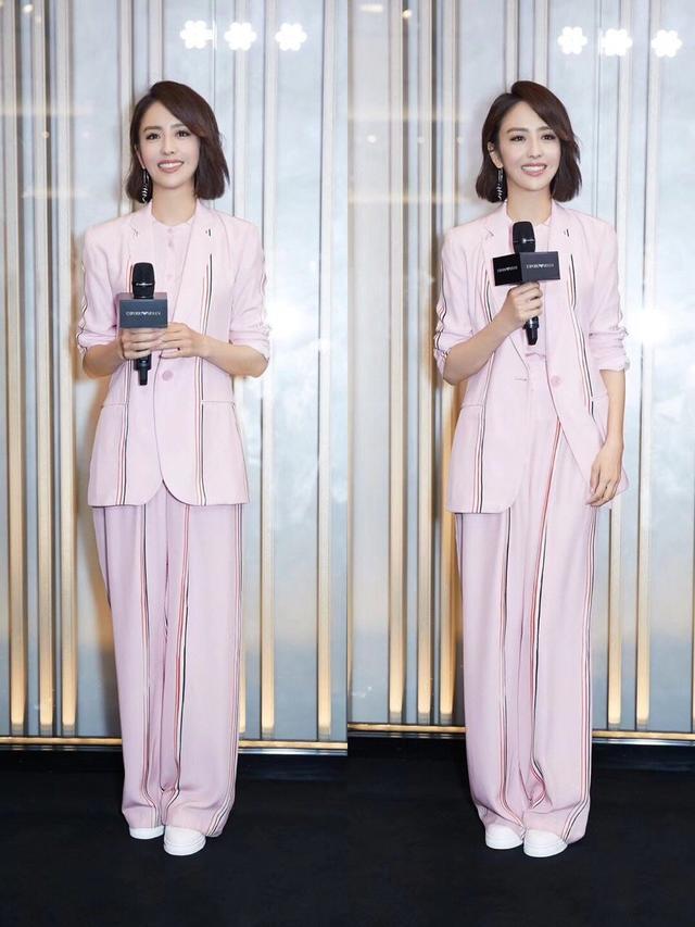 粉色也能穿出酷勁十足,佟麗婭這一身粉色小西裝太好看-圖2