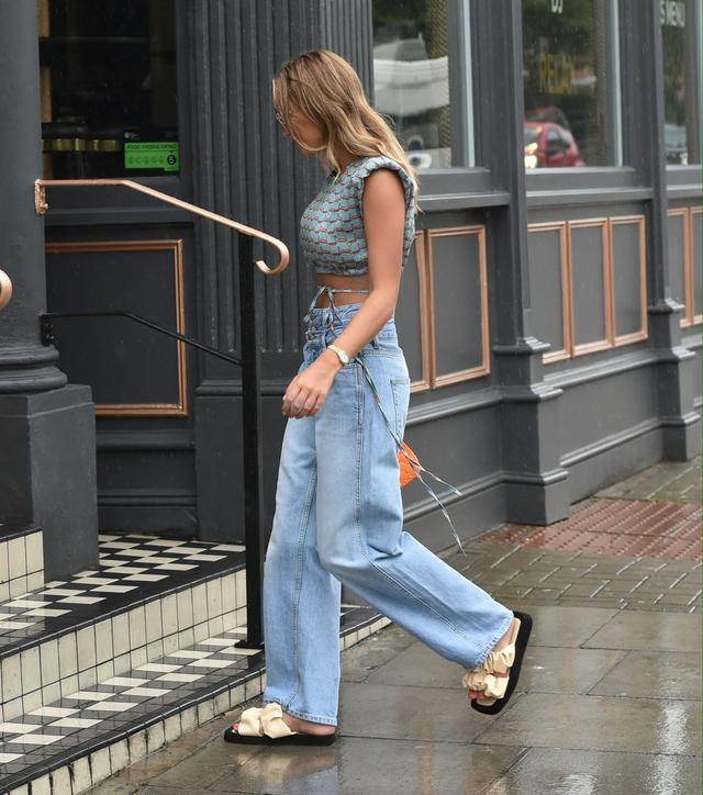 女星格魯吉亞·哈裡森現身伍德福德街頭,她有著特別的優雅-圖5