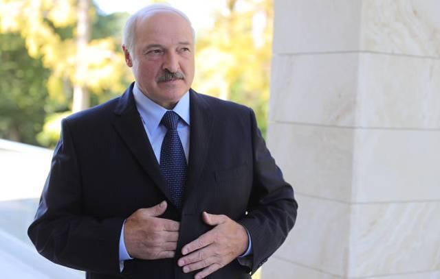 馬克龍呼籲白俄總統辭職,盧卡申科作出回應:你兩年前就該下臺-圖3