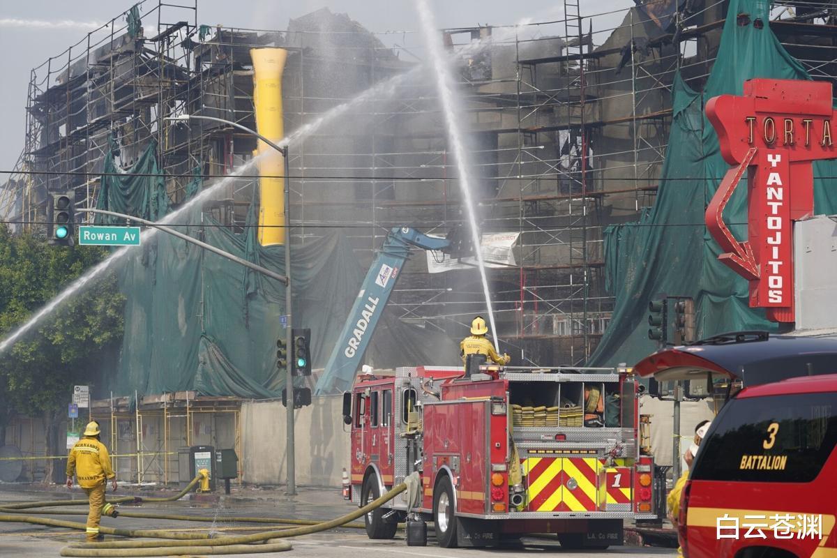 美軍在建公寓被大火燒毀,數十退伍兵無傢可歸,或為小孩縱火所致-圖2