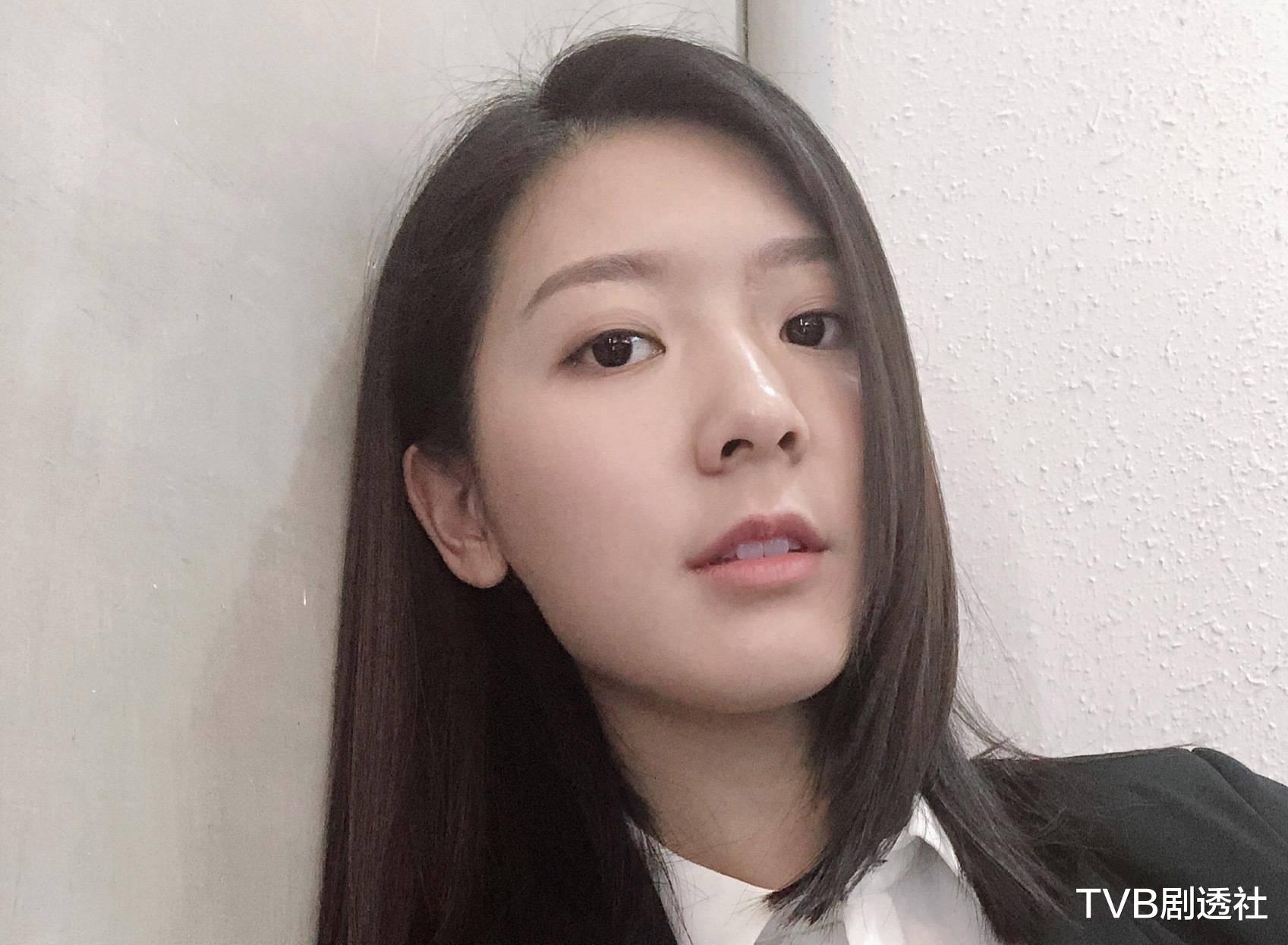 27歲香港著名女星被曝未婚先孕,並將趕在下月登記結婚-圖7