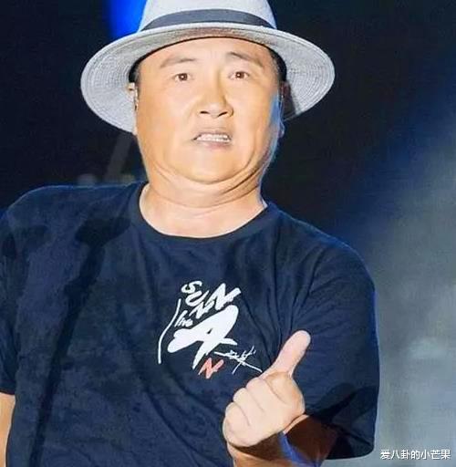 51歲孫楠走穴撈金近照太滑稽,下巴肥大胖成高曉松,曾被曝獻唱一首16萬-圖4