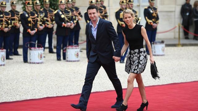 佈麗吉特兒媳婦氣質贊!穿黑裙超美,45歲兒子比繼父馬克龍都大-圖6