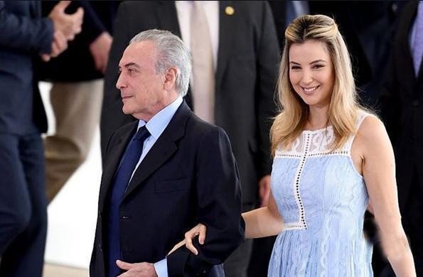 都說美國第一夫人顏值高,看看巴西總統小44歲嬌妻,才知啥叫楚楚動人!-圖5